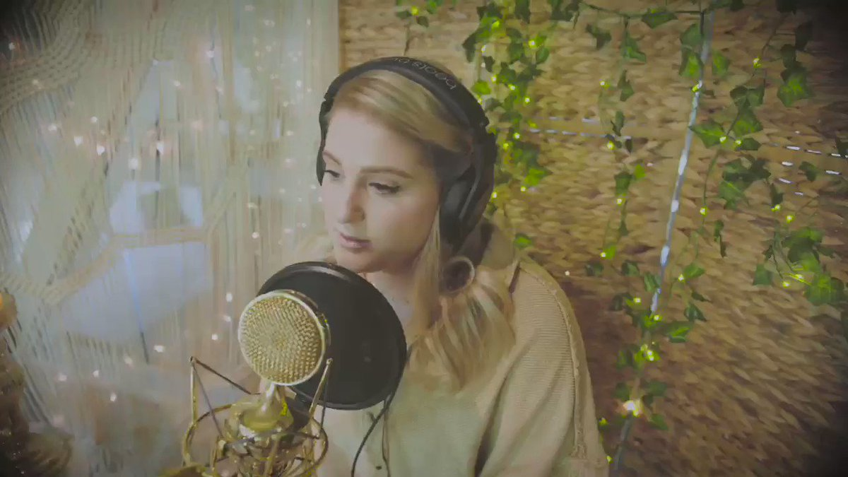 #WorkinOnIt acoustic session💖 @Vevo MeghanTrainor.lnk.to/WorkinOnItAcou…