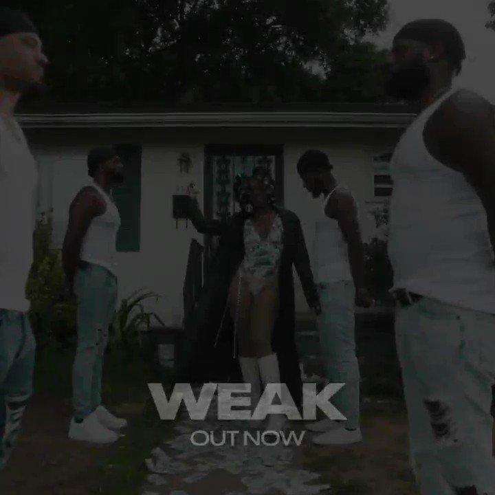 it's ouuutttttt 💸💸#WEAK official video watch here: smarturl.it/WeakOfficialVi…