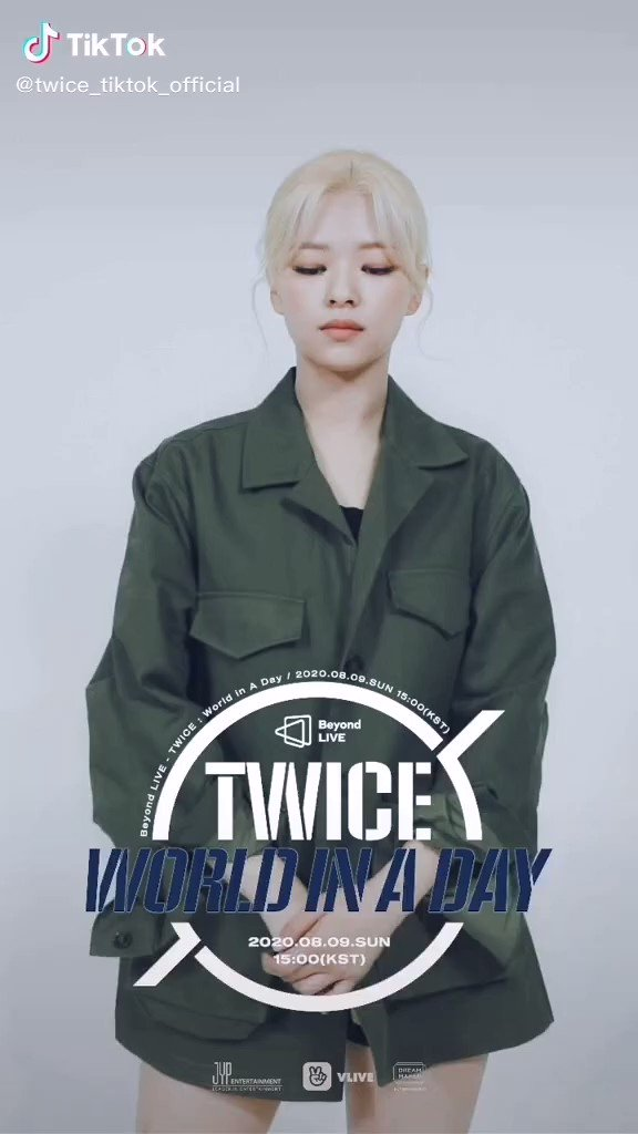 #Video[24.07.20]🍭  TWICE ONLINE CONCERT  Beyond LIVE - TWICE: World in A Day  . .  Moving Poster  JEONGYEON . . . . . #TWICE #MOREANDMORE #ONCE #JEONGYEON @JYPETWICE https://t.co/Qg5MIBga6A