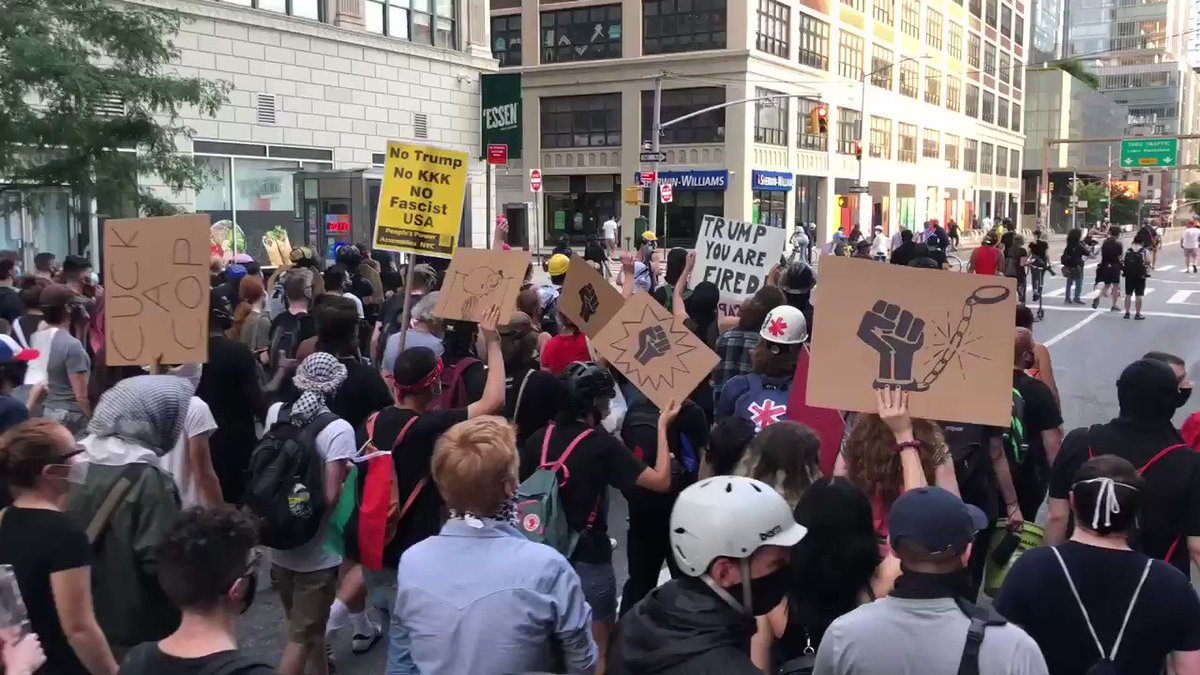 """#nycprotests tonight in solidarity with the #PortlandProtest  In NYC they tried to defund the police — and  @BilldeBlasio simply shifted """"safety officers"""" (school militarization) from the NYPD to the public school budget  So now we're fighting to abolishpic.twitter.com/qsvACqKKgK"""