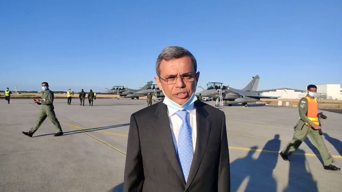 Indian Ambassador to France thanks the French Government and Dassault Aviation at the Merignac facility. Conveys India's appreciation for timely delivery of the Rafale. #ResurgentIndia #NewIndia @IAF_MCC @MeaIndia @rajnathsingh @Dassault_OnAir @DefenceMinIndia @PMOIndia @ANI
