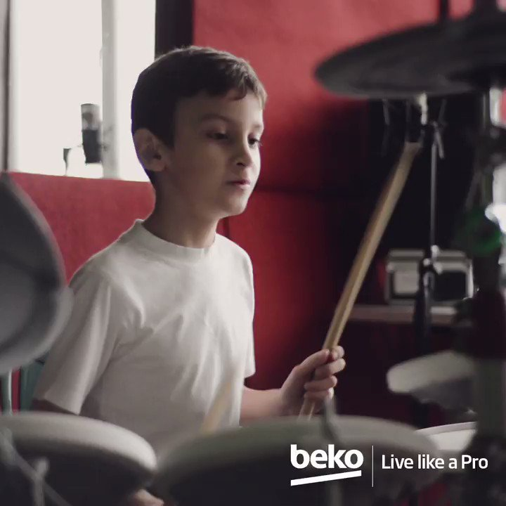Beko RapiDry™ lets all your laundry dry quickly in just 1 hour. So you can save your time for the things that you love! #LiveLikeAPro https://t.co/OEU2ae9FIK