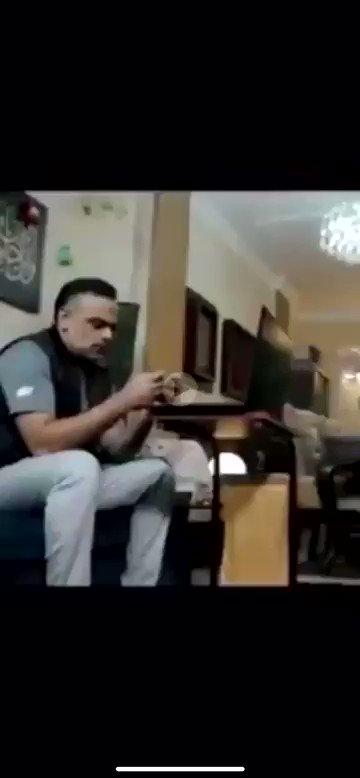 مقطع الموسم 😂😂 https://t.co/vbwnsiRDID