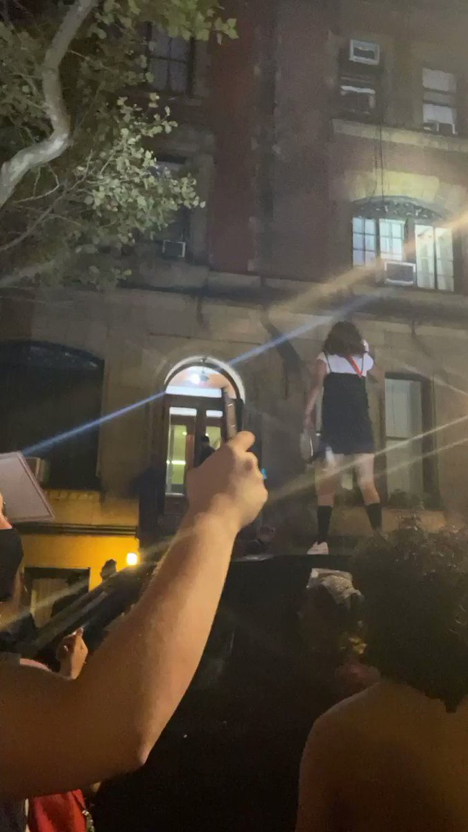 2:30 AM at the NYPD's commissioner's house. IF WE DONT GET NO JUSTICE YOU DONT GET NO PEACE #nycprotests pic.twitter.com/5c21FLKJox