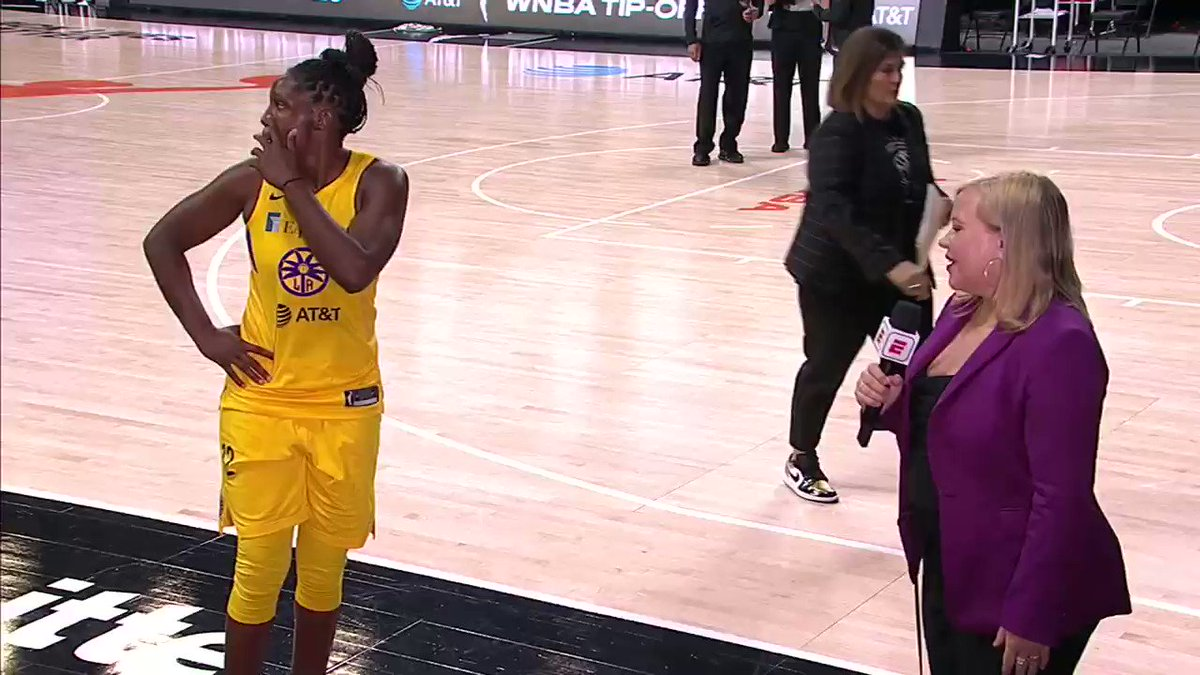 Post-game interview with Chelsea Gray for the @LASparks as they follow @seimoneaugustus advice for the win. https://t.co/n8MmLK88vl
