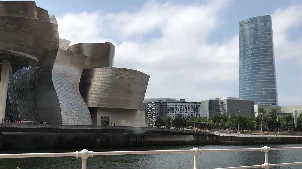 Image for the Tweet beginning: De paseo por Bilbao #guggenheim