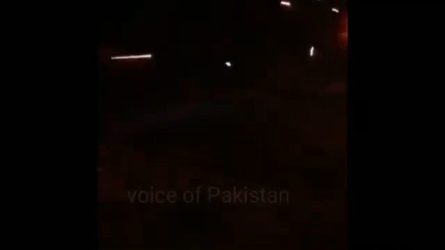 Last night at chaman border...  Pakistan FC gave a true hammering to the Afghan National Army..... Now Kabul is sending more troops to escalate the violence..... the Afghan smugglers in Chaman have also gone on rampage and are burning public property.  It's hot border right now! https://t.co/Z8Xr7NZfRV