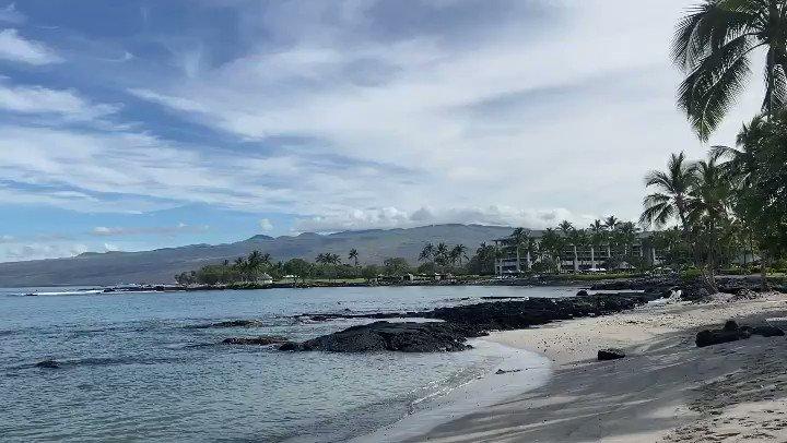 Summer days in Hawai'i nei ☀️  #FairmontOrchid #Hawaii #AlohaFriday #OnlyAtTheOrchid #LuckyWeLiveHawaii #OceanLove #Paradise #IslandOfHawaii #Aloha https://t.co/r5Hq1fAOlW