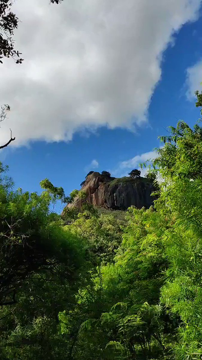Time-lapse of the rock fortress.. #VisitSriLanka pic.twitter.com/0sy5Zg8VBE