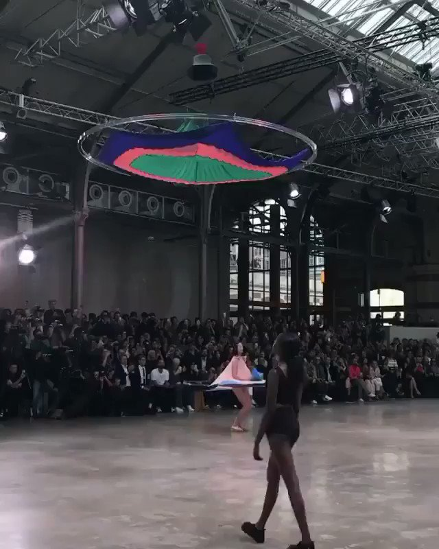 The future we were promised. We would approve this as part of the morning routine. @IsseyMiyakeUSA from Paris Fashion Week 2019 https://t.co/jvlr7ZSGpz