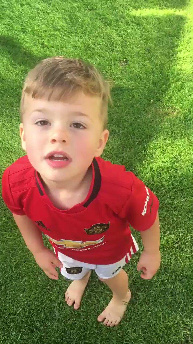 "@MarcusRashford My 3yr old has been ""scoring like Marcus Rashford"" practising his celebration also 😂 https://t.co/kjyFqwzH1m"