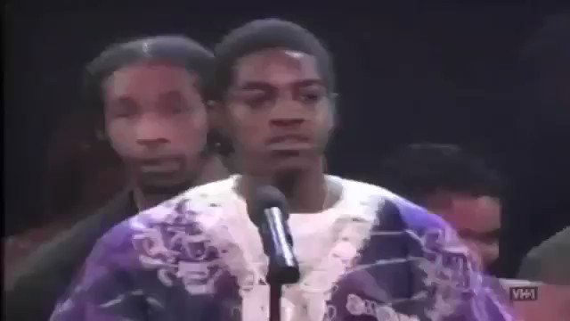 Twenty five years ago today, the second annual Source Awards took place at MSG. https://t.co/nNZNSEvxE3