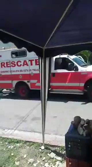 📹 Deivis Pacheco fue detenido por grabar el momento en que funcionarios empujan un carro de bomberos que quedó varado por la falta de gasolina. Esto ocurrió en Valera, Trujillo. Pacheco permanece detenido.  Vía @espaciopublico https://t.co/Ph8zia0STv