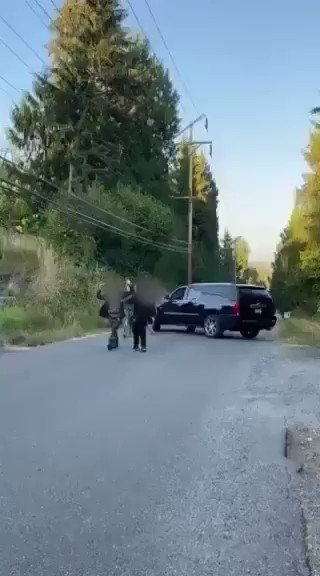 """Protestors on their way to harass the Seattle police chief @carmenbest at her home, encountered locals who were not in the mood to host protests in their neighborhood.   Protestor: """"We are peaceful! You pointed a gun at my face!""""  Resident: """"That's why you are peaceful."""" https://t.co/QU0FzwReNG"""