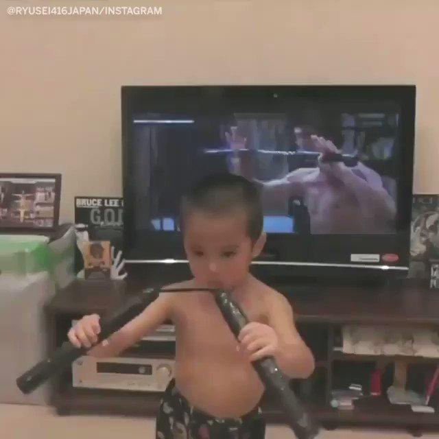 This boy reenacting a Bruce Lee scene 🔥 https://t.co/3JaxTWwzyd