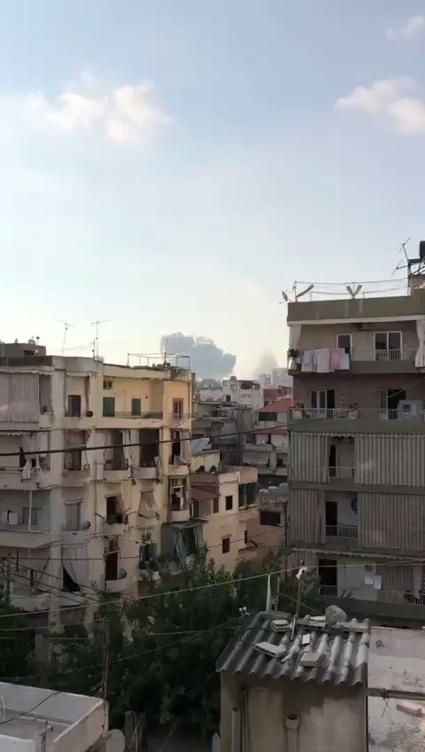Watch this incredible video @Tonyrizk_13th film at moment of impact in Beirut