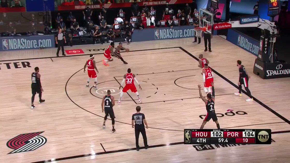 Melo comes up clutch for Portland again 🔥  (via @NBA) https://t.co/QG0tbjN34l
