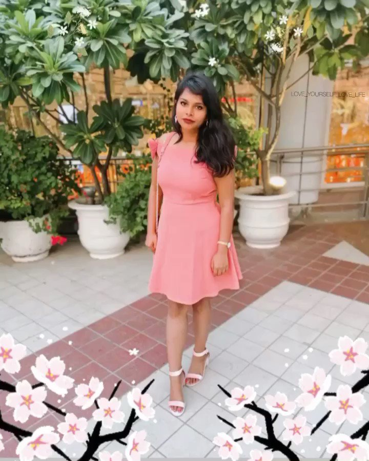 Dressing up begins at age five and never ends until Covid-19  #ExploreWithTripti  #blogger #fashionblogger #fashion #influencer #instainfluencer #blog #pinkdress #fashionblog #COVID19pic.twitter.com/z8r2jrJ9Z2