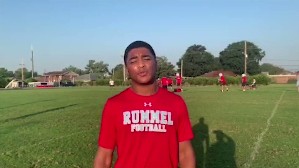 Image for the Tweet beginning: Rummel RB Logan Diggs: Shifty✅ Powerful✅ Gr8 pass