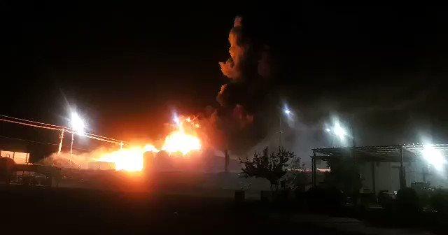 #العراق — حريق في محطة تعبئه للوقود والمشتقات النفطية في منطقة رابرين في #السليمانية. #insm_iq