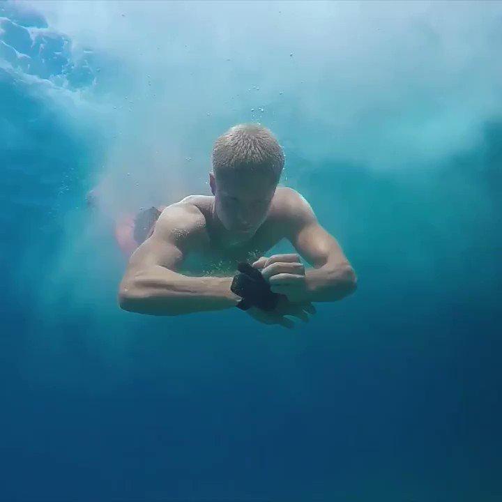 溺れた時の生還率高そう。これ海水浴に必須だろ。しかも何度でも使えるとかすげえ。