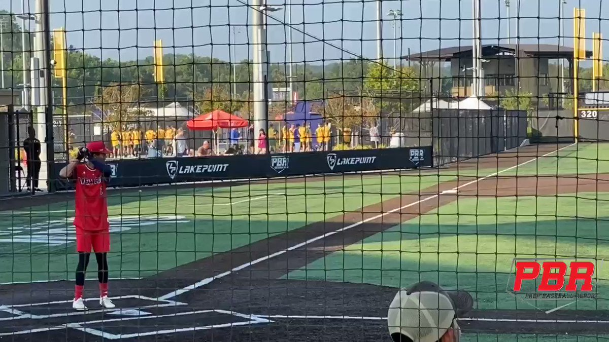 The barrel control comes so easy to '22 CF Druw Jones (GA) & he hardly broke a sweat while flicking balls over the fence to LC. Moves thru impact & gets on plane Whips bat thru the zone. 3 hard hit in yesterday's game. Elite prospect @VandyBoys recruit @PBRGeorgia