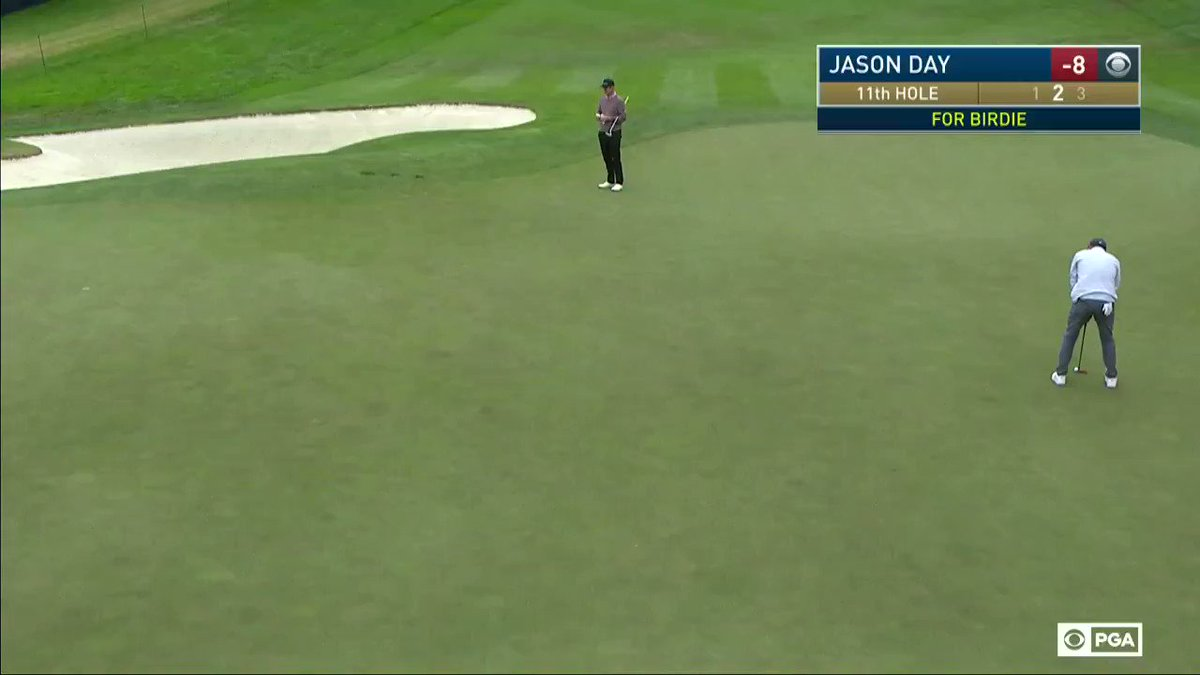 What does a perfect putt look like? Jason Day will show you.   He's just one back at -9. https://t.co/QdxGknGCsh