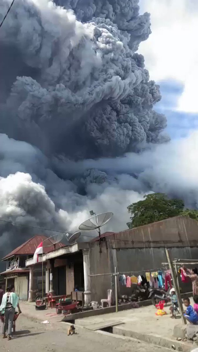 Breaking: Mount Sinabung Volcano in Sumatra, Indonesia, has erupted.  https://t.co/j7oKA6nr0g