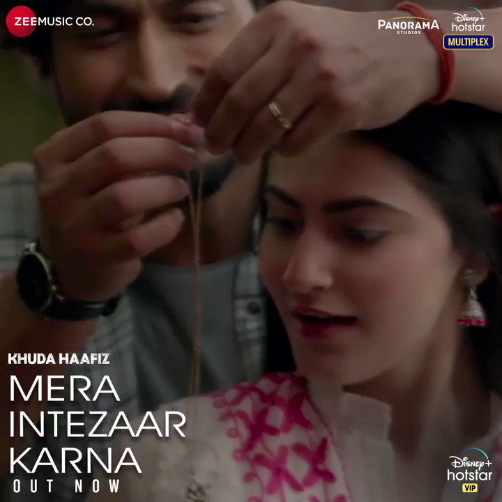 Subah ko jaga ke Tu khudko sajake Mera hi deedar karna Mera intezaar karna... True love is always worth the wait, #MeraIntezaarKarna from Khuda Haafiz out now. 💞 Link - bit.ly/MeraIntezaarKa… #KhudaHaafiz streaming from 14th August @Mithoon11 @armaanMalik22 @faruk_kabir