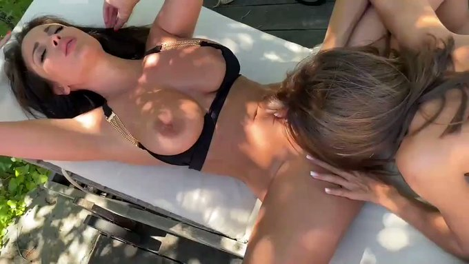 Hey guys ,check out my last GG video with the pretty @MeganeLopezX at the pool https://t.co/rbQIMdcCpy