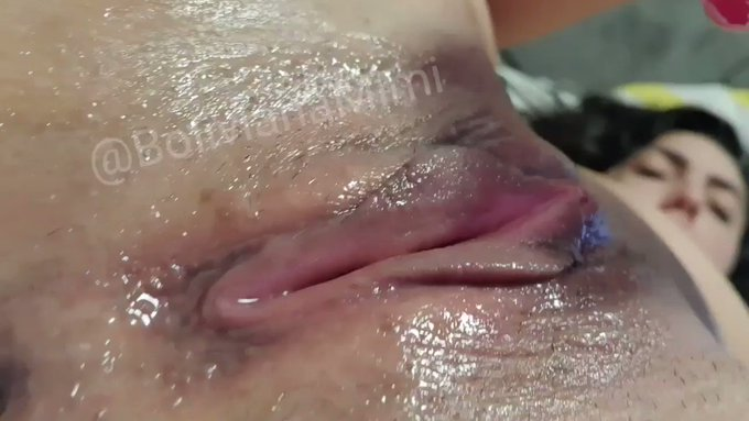 Sold! This vid is on fire! squirtind and wetting all my bed https://t.co/hw1kITNkzg #MVSales https://t
