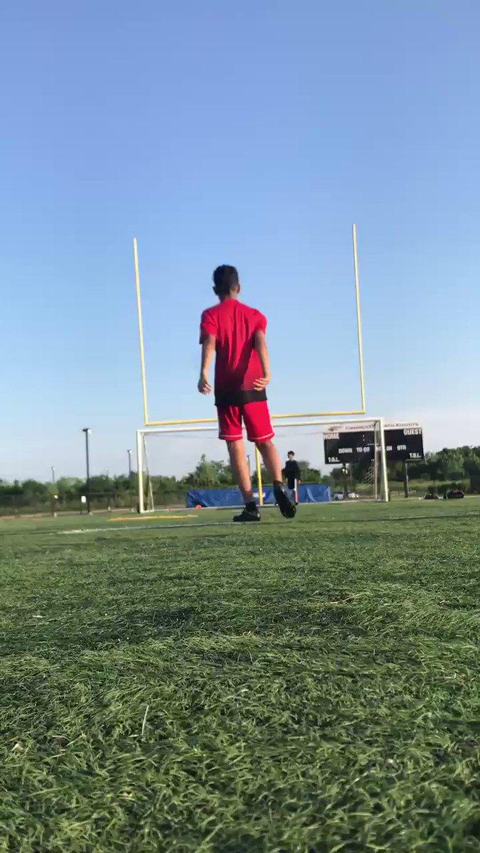 grinding 🙌🏽 #soccer #grinding #futbol https://t.co/j9RPSycNDe