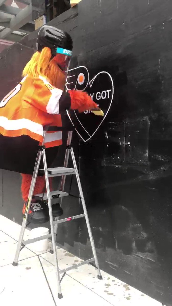 RT @GrittyNHL: Mr. Miyagi would be so proud.   #AnytimeAnywhere https://t.co/sXjZGRV0tY