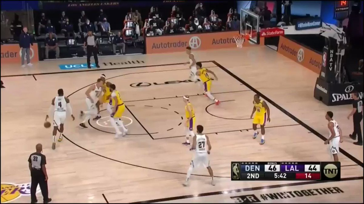 Michael Porter Jr. with a beautiful quick release on the catch-and-shoot 3, assisted by Paul Millsap #Nuggets #MileHighBasketball https://t.co/7xmbviisOY