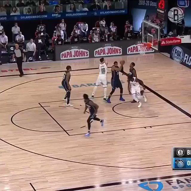 #NBA #WholeNewGame   Donta Hall con una tapa impresionante ✋🚫  🎥Nets https://t.co/n2webSl2MN