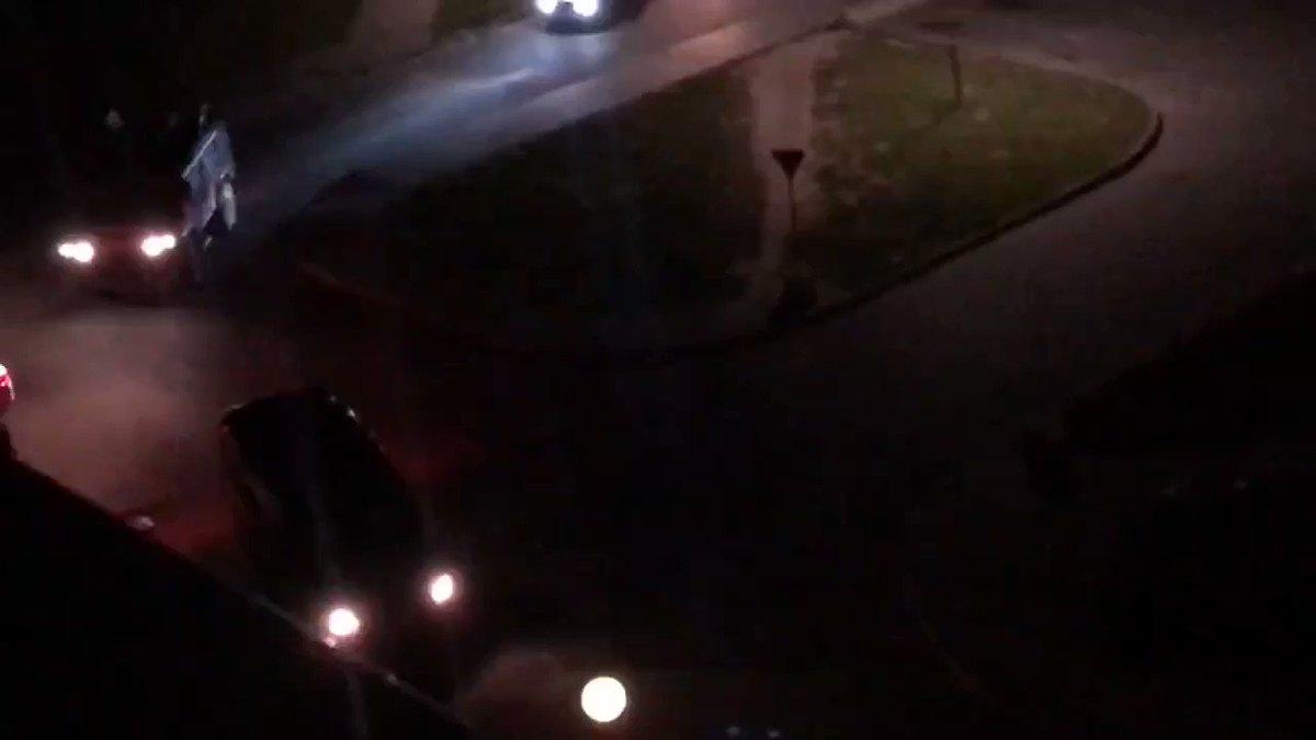 Водитель сбил омоновца, который пытался вытащить его из машины. Интернет в Беларуси отключен, но каким-то чудом информация просачивается. Собираю по крупицам и выкладываю в телеграме. Подписывайтесь: t.me/novosyolov