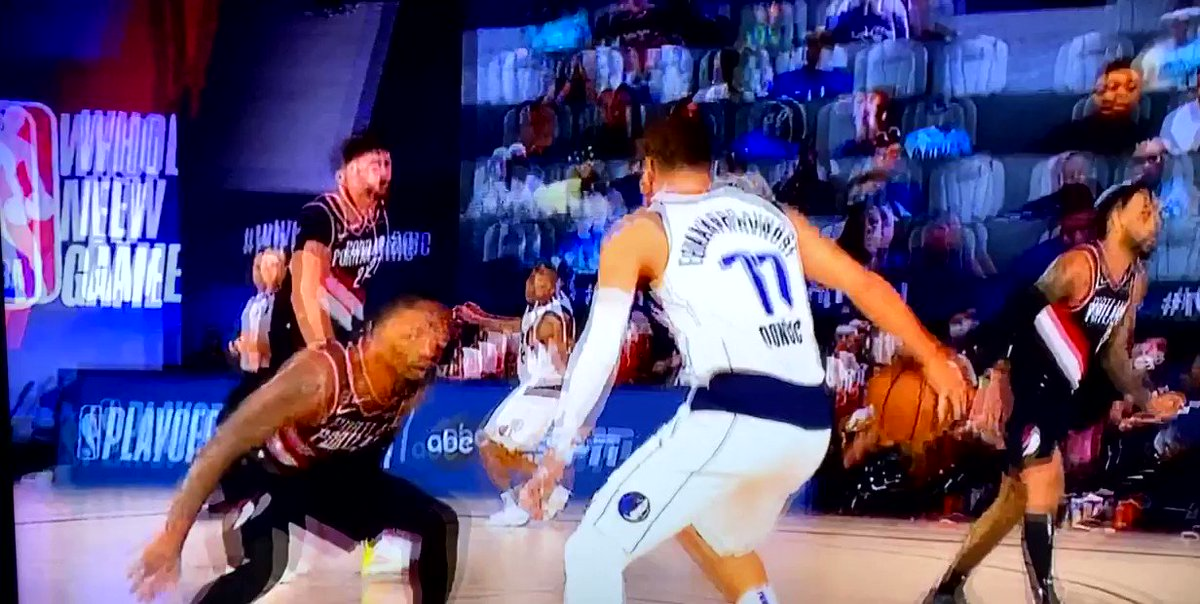 Sheesh Luka Doncic just left Damian Lillard looking for em 👀😳🥶 #Mavericks