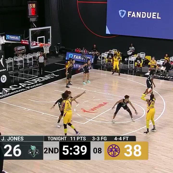 Sykes with the spin, slip, and splash 💦  (via @WNBA) https://t.co/wB8MtNLOfJ
