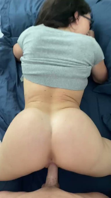 About to post this for all my subscribers! Sooo hot 🔥 LINK IN BIO! See you there! https://t.co/G889J