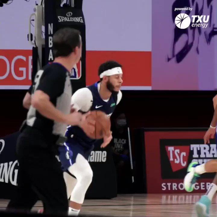 Seth Curry is back 😁 #MFFL | @txuenergy