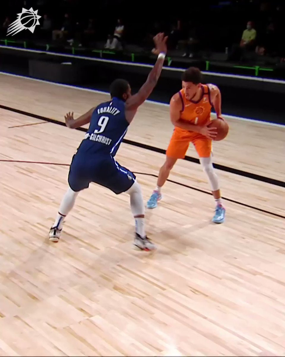 Book had him on the first step 😲  (via @Suns) https://t.co/fmfaFJstIJ