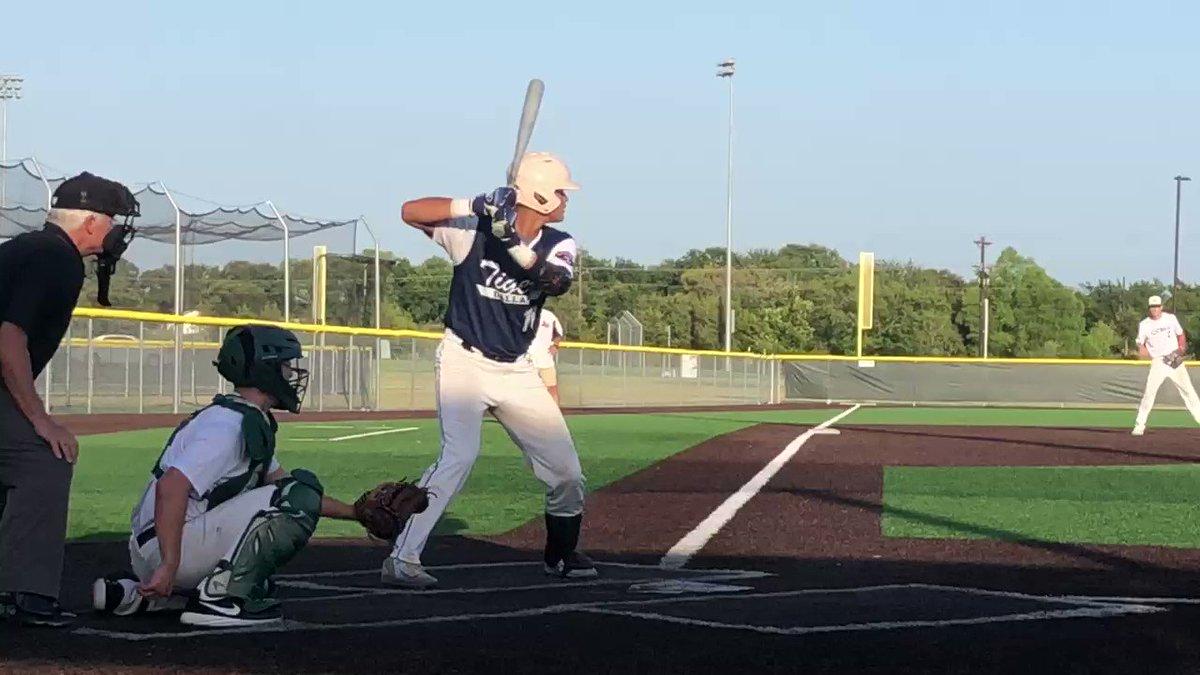 @DTigerBaseball Polks Jayson Jones (@JaysonJ21836612) hugs the third base line to pick up the double. Braswell (TX) 2022 • @RazorbackBSB commit