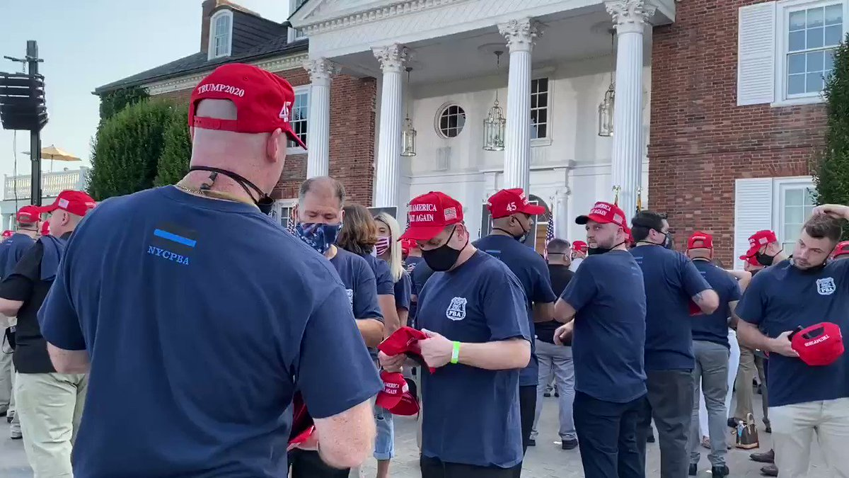 Tonight at Bedminster. Not a rally but it has that feel on a much smaller scale. Trump hats being passed out. Mask wearing is hit and miss.  Outdoors but an estimated 300 in attendance in close quarters. Watch: https://t.co/cUb48tba6b