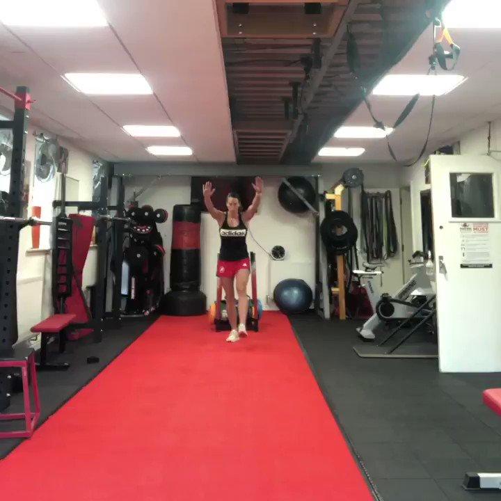 #gymtime #gym #crossfitstyle #walkinghandstands #handstands