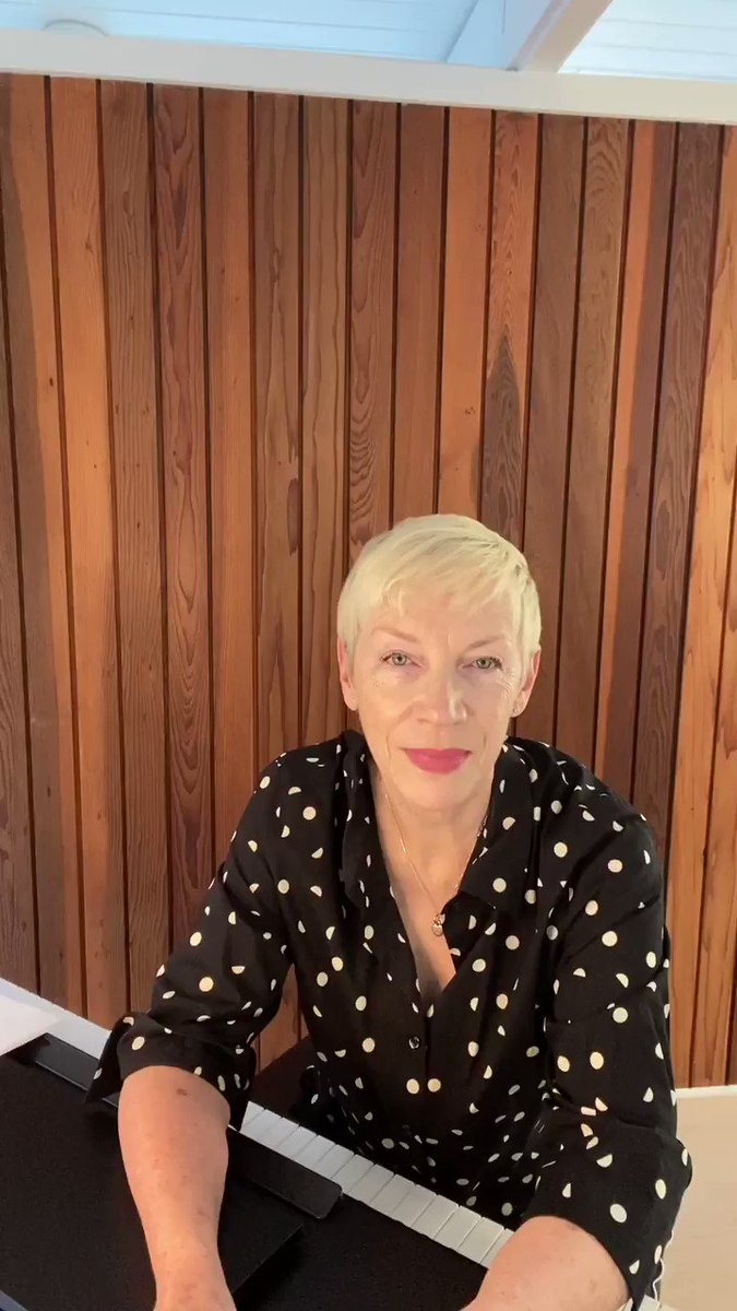 Image for the Tweet beginning: Scottish singer and songwriter @AnnieLennox