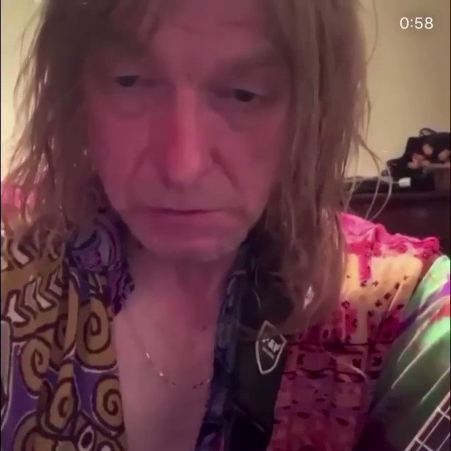 I'm not sure who this man is or where this vid has come from but he's made my day 😂😂   Gets better with every view 😭 https://t.co/cJQV9Xcg7i