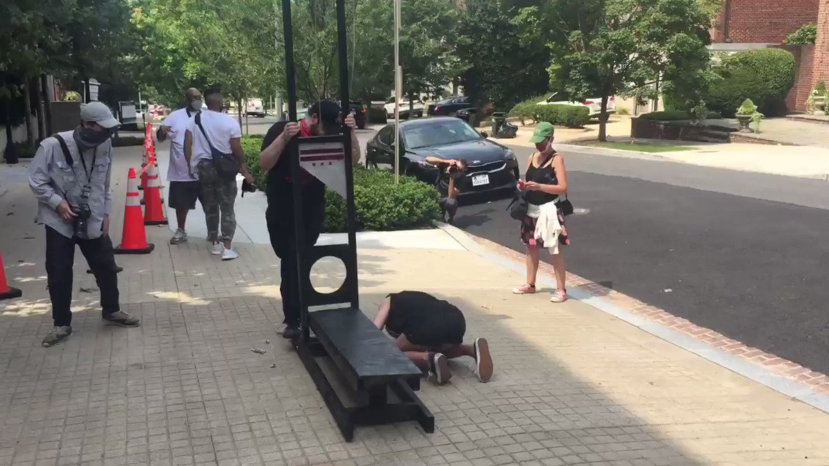 Protesters outside @JeffBezos's DC home have a guillotine.