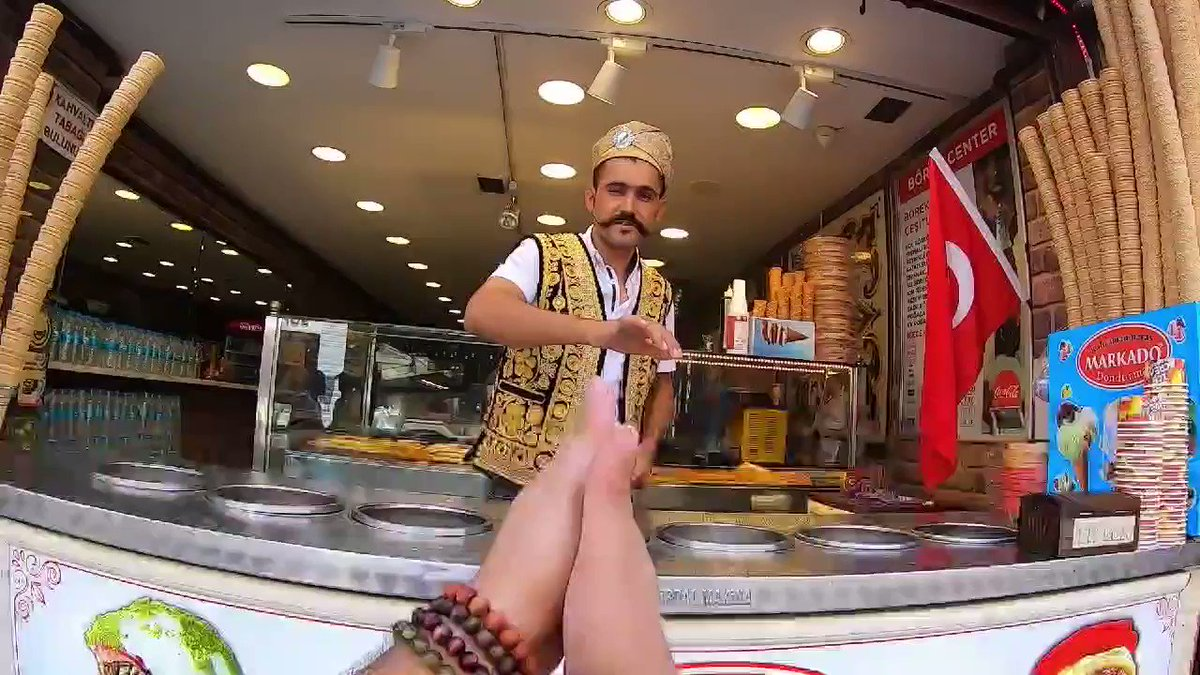 """第一人稱視角:""""我只是想吃個土耳其冰淇淋……"""" Zc3pYnKrWnR-NXGh"""