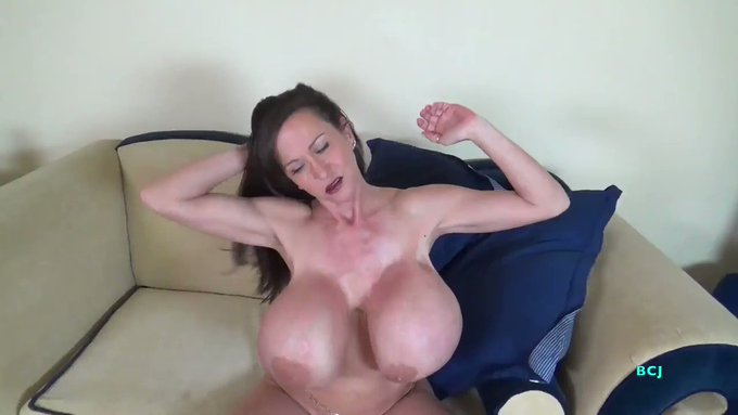 Just sold! Afternoon Quickie https://t.co/FNV3jak7PO #MVSales https://t.co/b6f1SVKlLo