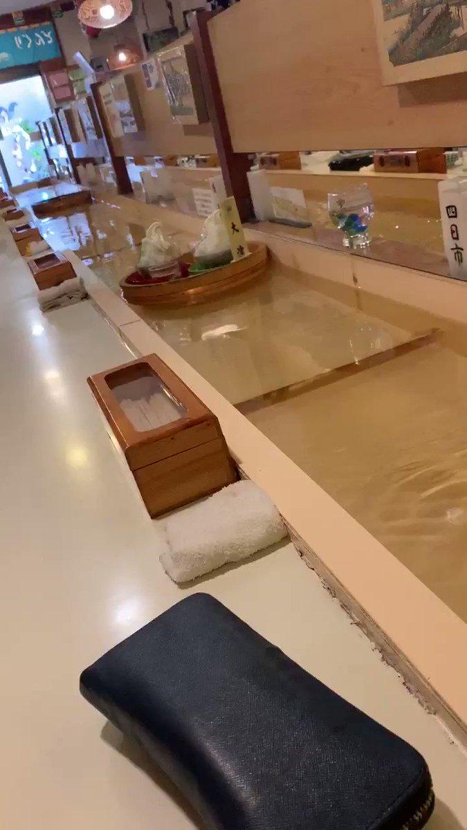日本一家用水運送餐點的咖啡店 H1CWig-0uPEx7xfL